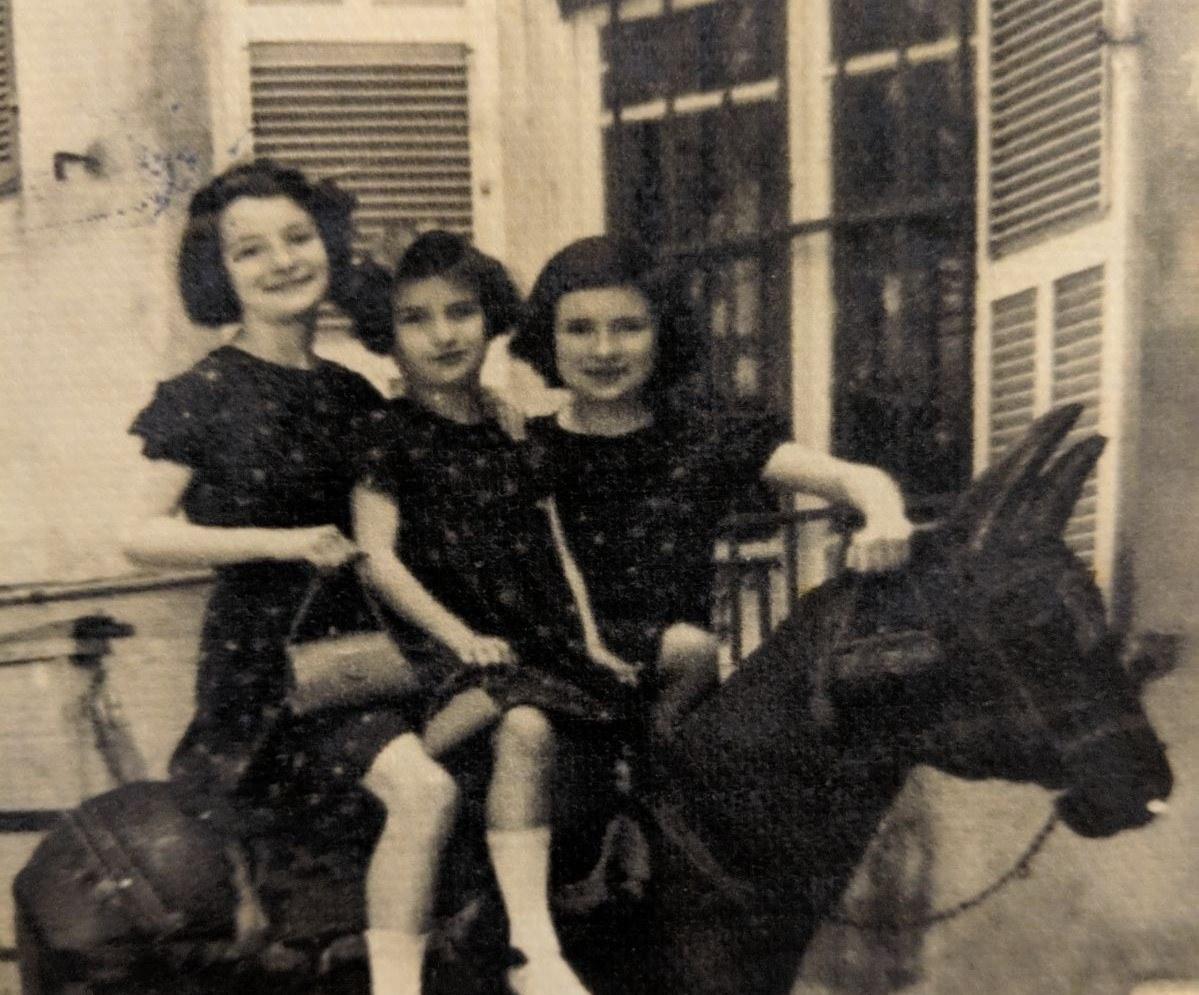 המכתבים האבודים של הסבא חושפים את סיפור השואה האישי של משפחת טייטלבוים